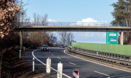 Zchátralý most nad D46 u Žešova opraví, ale auta už se na něj nevrátí