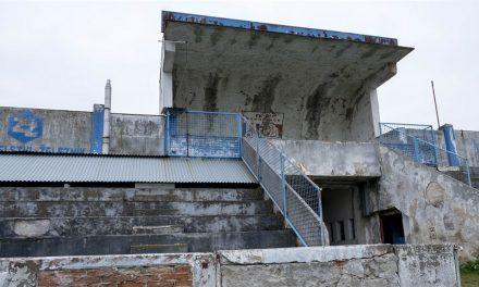 Letní stadion se může kvůli památkové ochraně prodražit, oprava není jistá