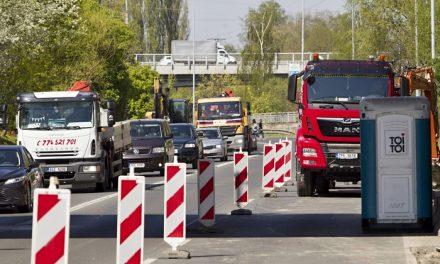 Začala kompletní oprava průtahu centrem Plzně, omezení budou do podzimu