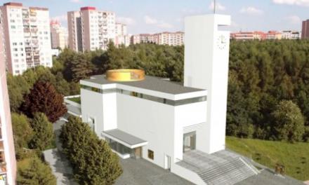 Kostel 21. století s komunitním centrem: Pražský Barrandov se dočkal vymodlené stavby