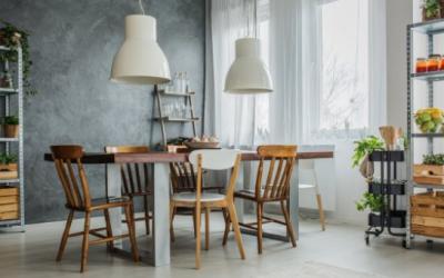 Základní kámen domova? Přece stůl a židle!