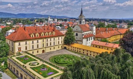 Konírna v Lipníku září. Unikátní střešní zahrada je nejstarší v Evropě