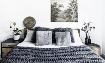 """Originální londýnský byt v odstínech šedé """"voní"""" Afrikou"""