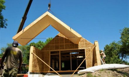 Staví budovy ze slámy. Umíme rozhledny i domy 4+1 za pět milionů, říká podnikatel