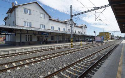 V Letohradě zmodernizovali nádraží, má podchod i dostatek parkovacích míst