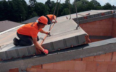 Těžká šikmá střecha z keramobetonových panelů