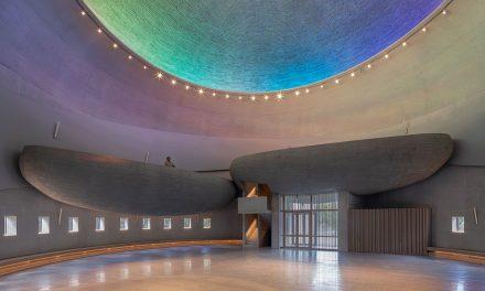 Minimalismus betonu a skla