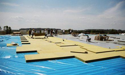 ISOVER představuje nové desky do plochých střech