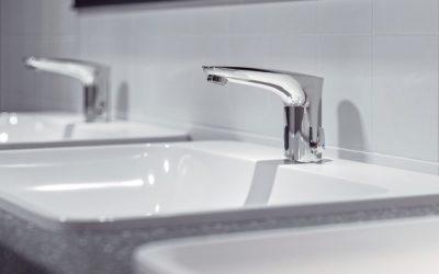 Umyvadlové armatury Schell s úspornými perlátory pro veřejné sanitární prostory