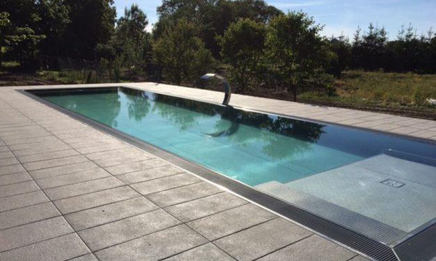 Tvárný beton boduje napříč styly