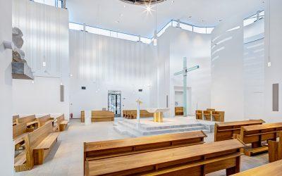 Minerální desky Multipor zateplily vnitřní portál nového kostela Krista Spasitele v Praze