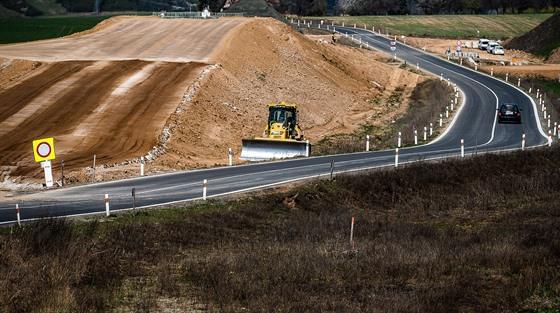 Královéhradecký kraj opraví silnice za miliardu, většinu platí z dotací