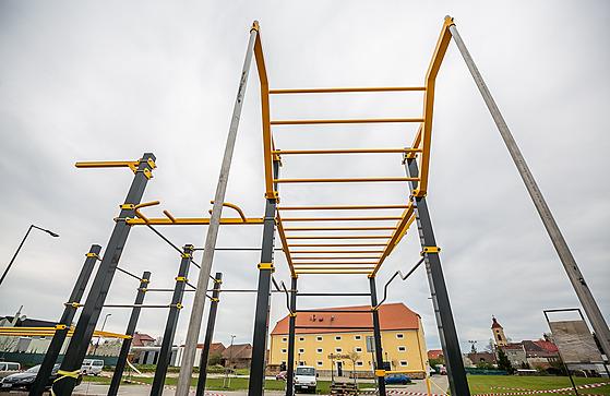 Stěžery u Hradce Králové se rozrůstají, náves a nové hřiště spojí park