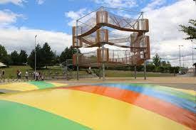 Olomoucký akvapark nově láká i na třípatrové lanové centrum a trampolíny