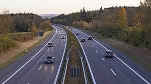 Sjezdy z dálnice D35 mezi Olomoucí a Mohelnicí opravují silničáři