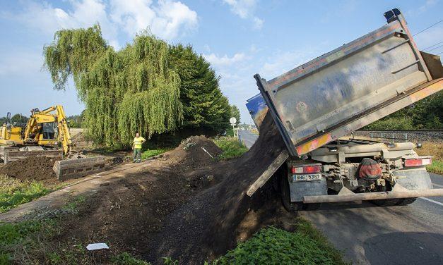 Dělníci začali stavět obchvat Kojic, politici ale projekt kritizují