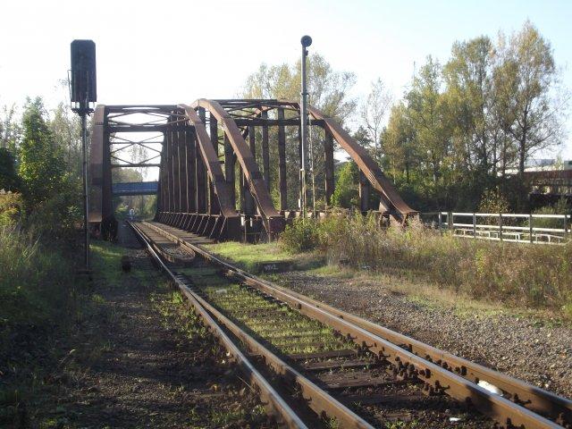 Nový most s ohňovými chrliči coby architektonická dominanta přes Ostravici